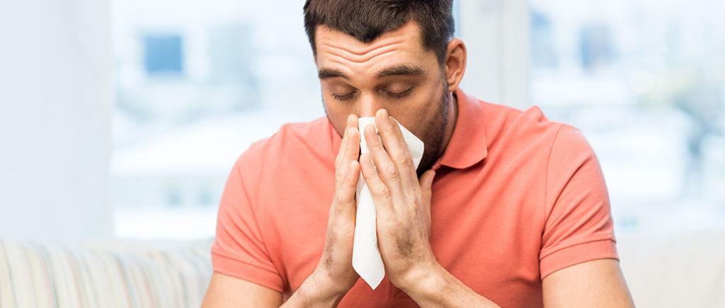 Erkältungs-Knigge für Männer | © Syda Productions - stock.adobe.com