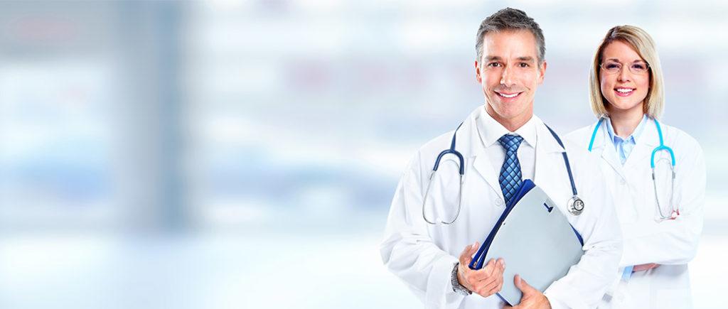 Mit 35 sollte man gelegentlich einen Gesundheits-Check beim Arzt machen | © Kurhan - stock.adobe.com