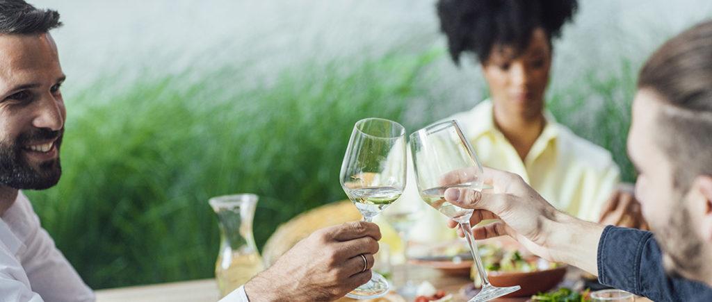 Die richtige Gläser Etikette | © Lumina Images - stock.adobe.com