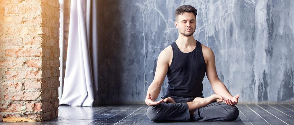Meditation gegen negative Gedanken | © 4frame group - stock.adobe.com