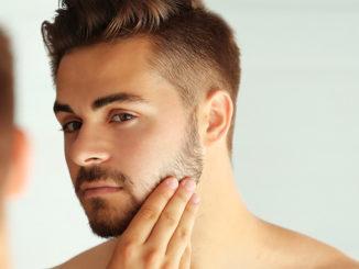 Finde die beste Rasur-Methode für deinen Hauttyp | © Africa Studio - stock.adobe.com
