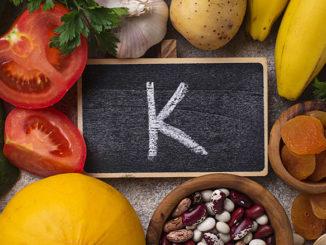 Vitamin K - Phyllochinon für den Mann als Nahrungsergänzung | © Yulia Furman - stock.adobe.com