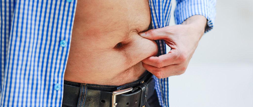 Bauchspeck durch Wechseljahre bei Männern | © photophonie - stock.adobe.com